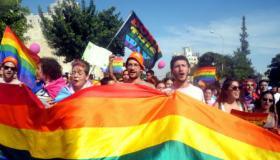 רוב הציבור תומך בהכרת המדינה בנישואין של בני אותו המין